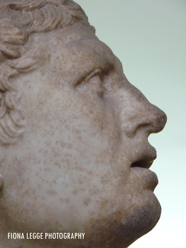 face_sculpture_marble